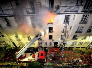 Incendio-em-edificio-em-Paris-deixa-cinco-mortos