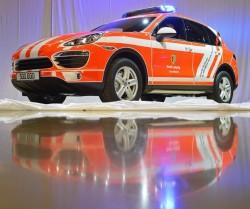 Porsche Cayenne especial para os bombeiros (Foto: AP Photo/Jens Meyer)