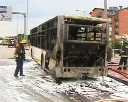 autocarro coimbra ardeu