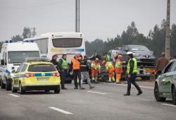 Palmela, 02/12/2015 - acidente resultante da colisão de mais de uma dezena de viaturas, que ocorreu na A12, perto do nó de Pinhal Novo, Palmela. (Carlos Manuel Martins/Global Imagens)